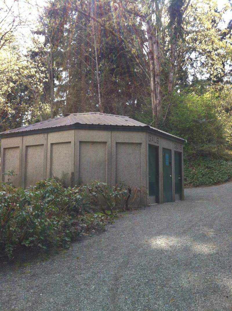 Restrooms at Enatai Park Tennis Courts in Bellevue WA